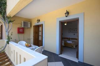 accommodation amphitrite apartment balcony-1