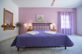 accommodation amphitrite apartment bedroom