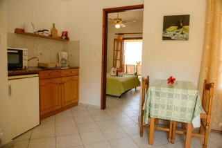 accommodation amphitrite apartment kitchen