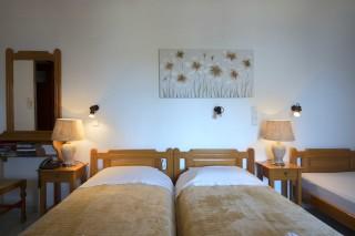 accommodation amphitrite studios triple room